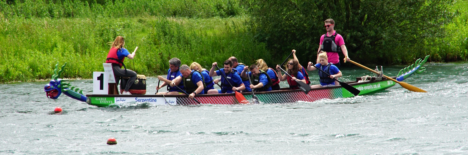 Team Hunt & Coombs Dragon Boat Racing to raise money for Sue Ryder